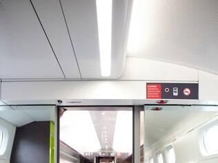 No TGV francês, serviço busca aliar conforto e rapidez para o passageiro