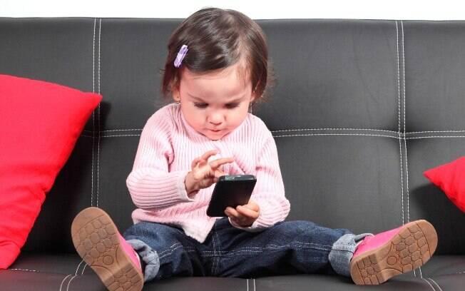 Segundo especialista, grande desafio dos pais é orientar os filhos a equilibrar o uso da tecnologia e a interação com outras pessoas