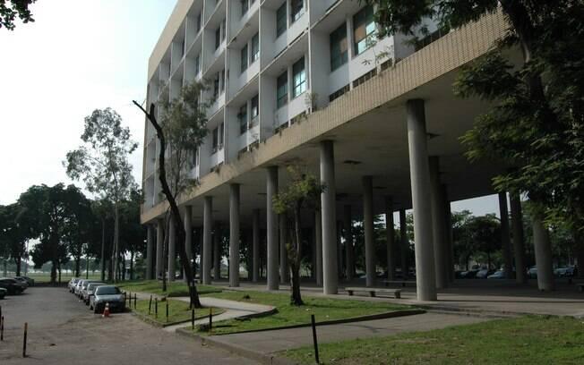 Explosão aconteceu no prédio de Metalurgia, no laboratório da UFRJ, no campus Ilha do Fundão