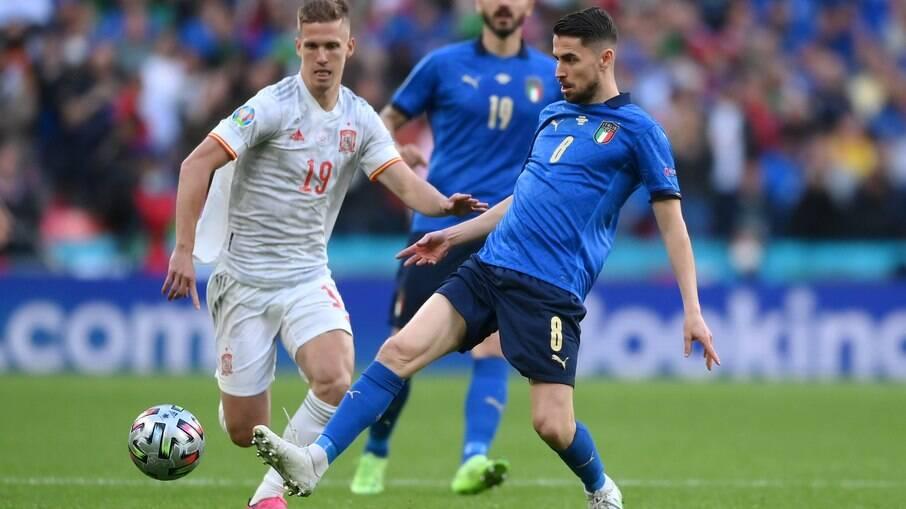 Itália avança à final da Eurocopa
