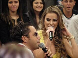 Latino e Rayanne Morais