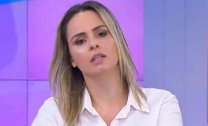 Ana Paula Renault bate-boca com filho de Cid Moreira ao vivo