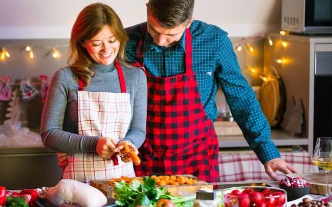 É possível fazer uma ceia de Natal saborosa sem gastar tanto, basta adotar algumas práticas de economia