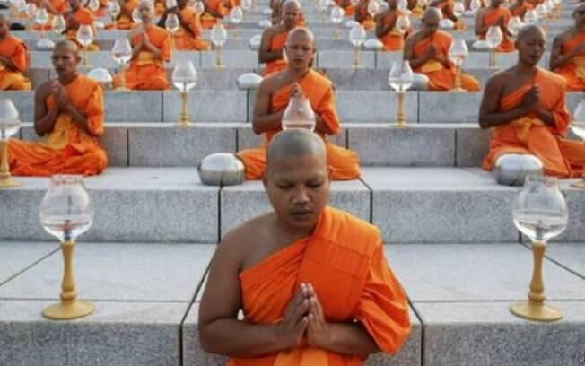 País onde a maior parte dos entrevistados se diz religioso, a Tailândia tem maioria budista