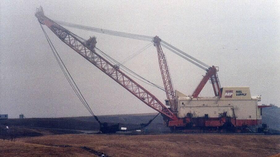 Big Muskie é a maior escavadeira já construída especialmente para uma mineradora de carvão de Ohio em 1969.
