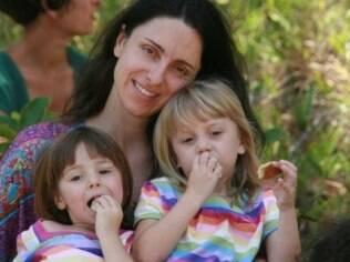Laura e as filhas: maternidade como desejo passa longe de restrições à vida pessoal
