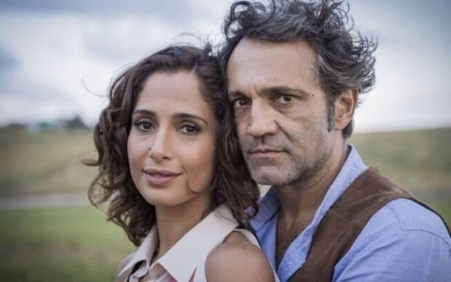 Domingos Montagner e Camila Pitanga como os protagonistas de