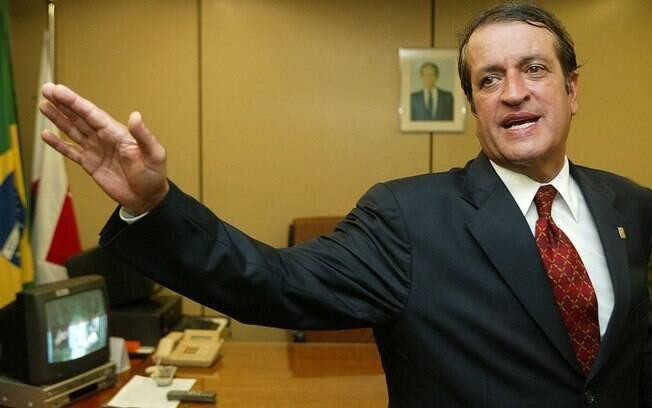 Valdemar Costa Neto é acusado de fraudes, corrupção passiva e peculato