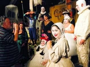 """Bastidores. Diretor Gabriel Villela e o elenco do Galpão conversam em """"Os Gigantes da Montanha"""""""