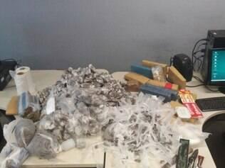 Polícia apreende 40 kg de maconha em laboratório do tráfico em Venda Nova