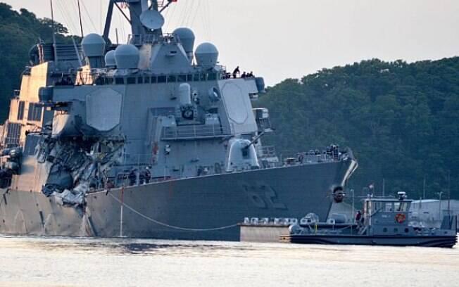 USS Fitzgerald sofreu mais avarias na colisão com cargueiro filipino, na costa japonesa