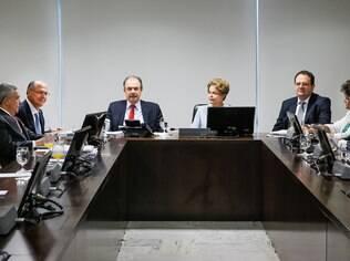 Alckmin se reúne com Dilma e Mercadante