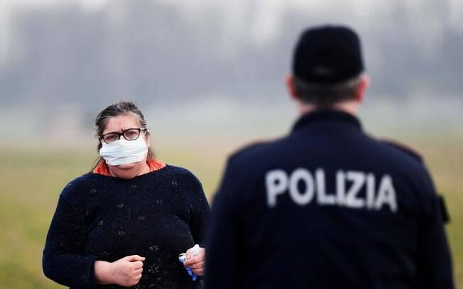 Autoridades italianas pediram que pessoas só saiam de casa em situações de emergência