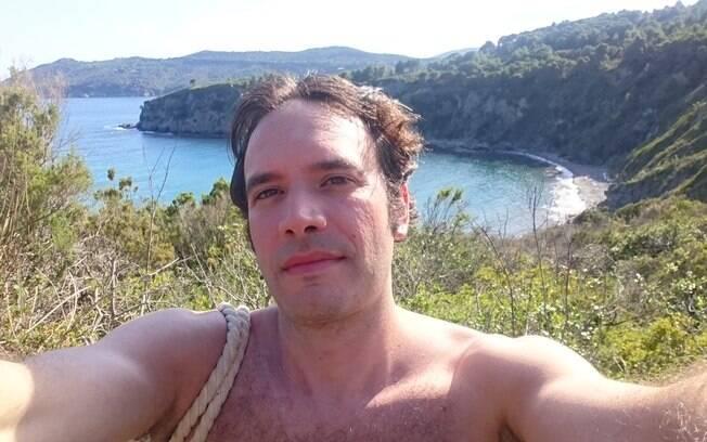 Cansado de ficar solteiro, Alan, de 37 anos, decidiu criar um site para especificar como a