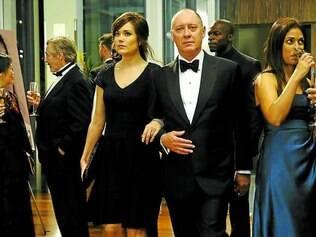 Suspense. James Spader e Megan Boone estrelam a série da NBC que vai ser exibida pelo Netflix