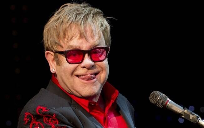 'Seu pensamento arcaico está fora de moda', disse Elton John