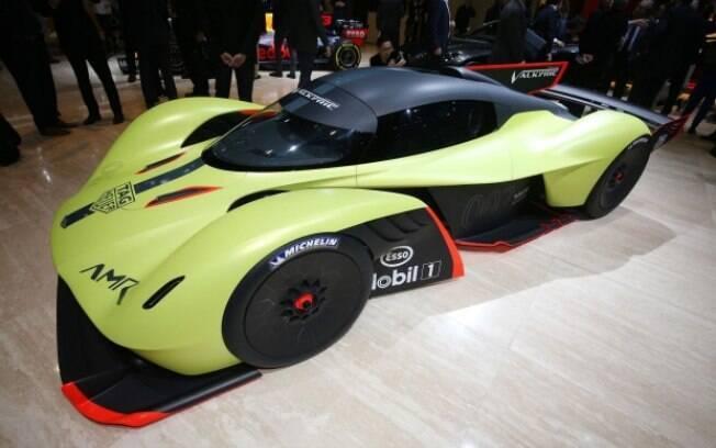 Eis o Aston Martin Valkyrie AMR Pro que já existe, antes de se enquadrar em qualquer regulamento de corrida