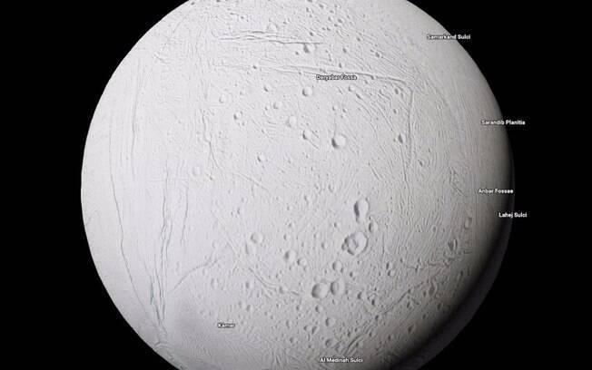 Por meio dos registros da Nasa a bola de gelo, possibilita um trajeto misterioso, com a presença água quente e salgada