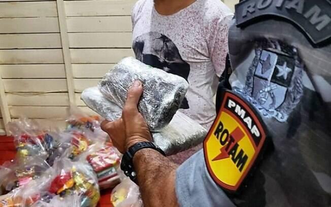 Preso confessou que pretendia usar entregas para traficar os entorpecentes.