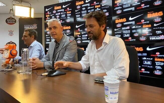 Tiago Nunes foi apresentado no Corinthians