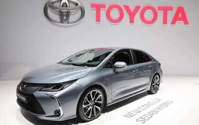 A versão híbrida do novo Corolla é a principal novidade do Salão de Genebra 2019 que estará no Brasil