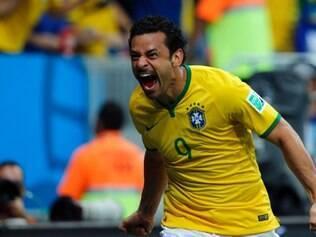 Fred desencantou e deixou a sua marca na goleada do Brasil sobre Camarões