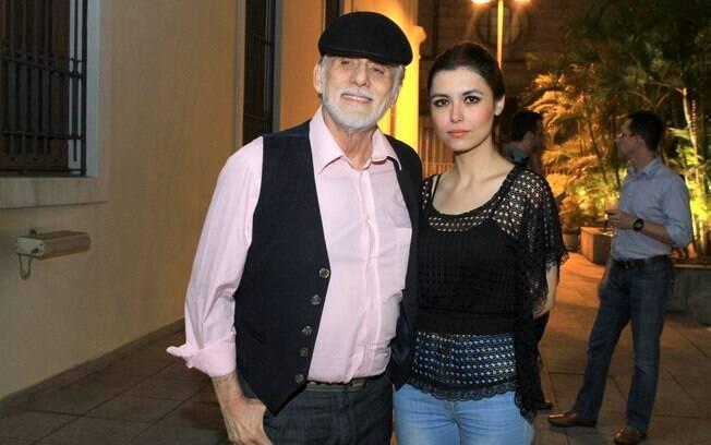 53 ANOS: Francisco Cuoco (79 anos) e Thais Rodrigues (26 anos)