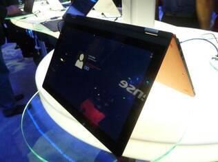 Yoga, notebook da Lenovo com sistema operacional Windows 8