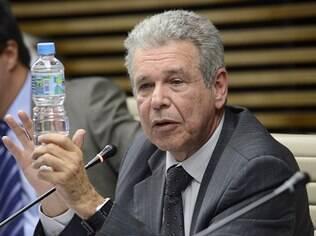 Consumidores não pagam tarifa suficiente para investimentos em água e esgoto, diz Kelman