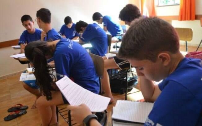 Estudantes treinam para Olimpíada de Matemática, disciplina em que Brasil segue abaixo da média