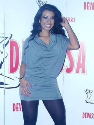 A atriz Cinthia Santos participou do sorteio das escolas de samba de São Paulo