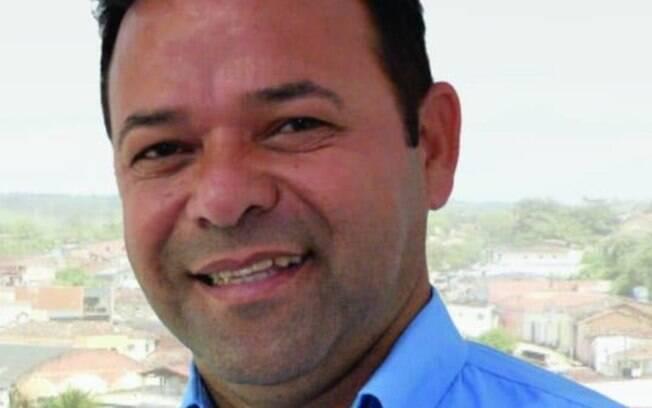 Erinaldo dos Santos (PSD) estava dentro de sua casa no momento em que foi baleado.