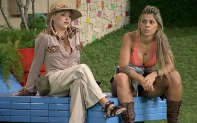 Clara e Vanessa conversam sobre formação do Paredão