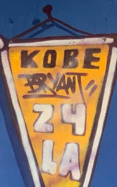 Beco do Batman%2C em SP%2C é atualizado com homenagem a Kobe Bryant