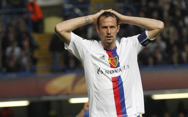 Marco Streller lamenta chance perdida em  ataque do Basel