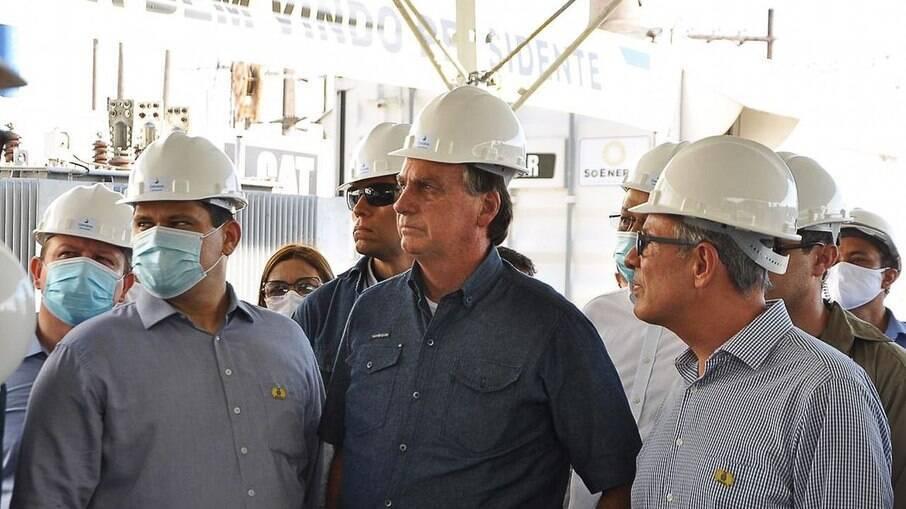 Bolsonaro promoveu aglomeração nas inaugurações