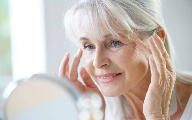 O processo de envelhecimento afeta o corpo e, consequentemente, a beleza - como pele, cabelos e unhas
