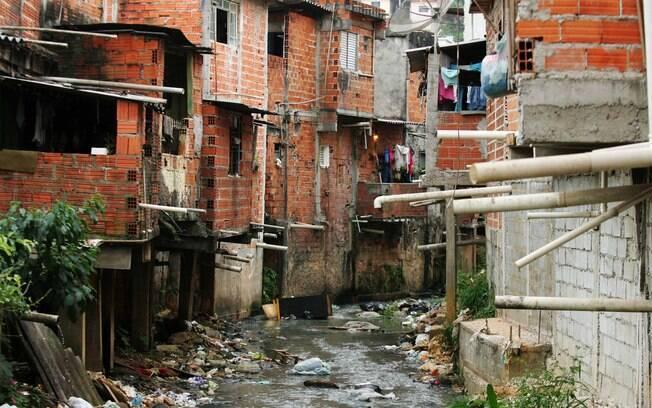 Saneamento básico é um dos direitos mais negados a crianças e adolescentes no País