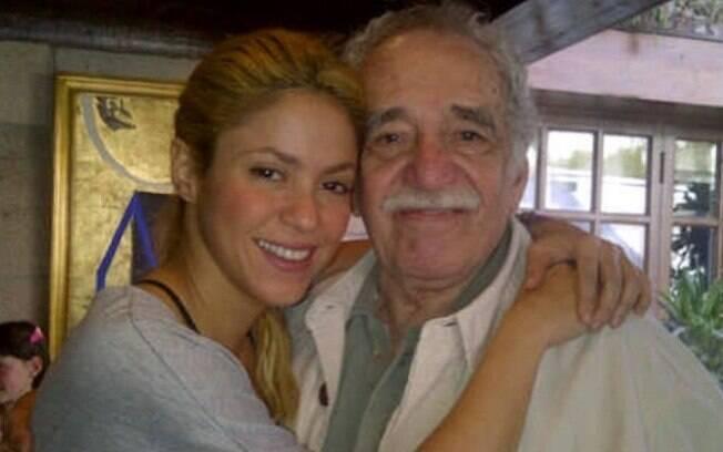 Shakira publica imagem ao lado de Gabriel García Márquez