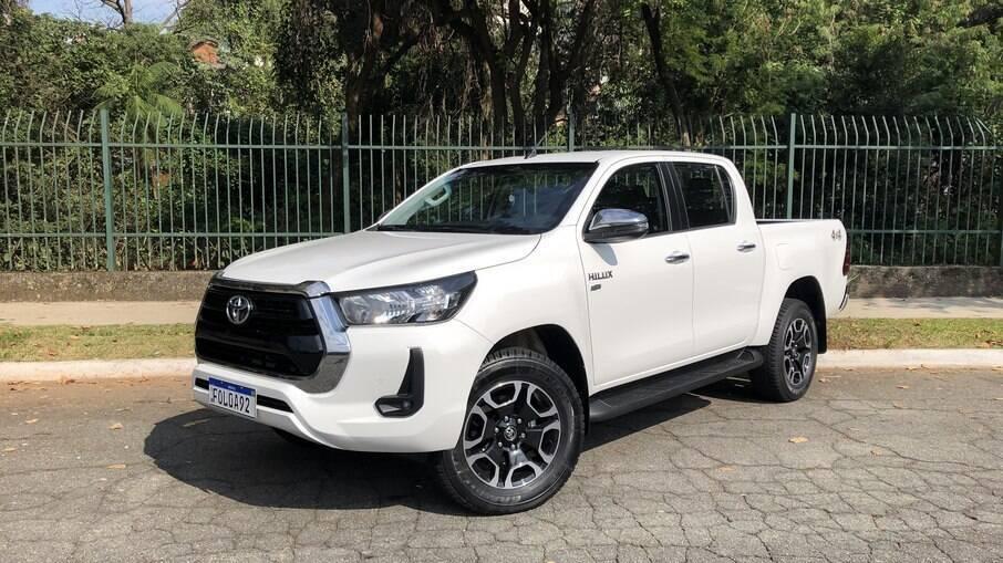 Toyota Hilux SRV 2021 surpreende pelo conforto e preço competitivo com motor flex