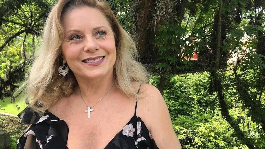 A atriz esbanja autoestima aos 69 anos