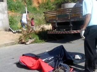 Criança teria perdido o controle da direção da bicicleta e caído na rua