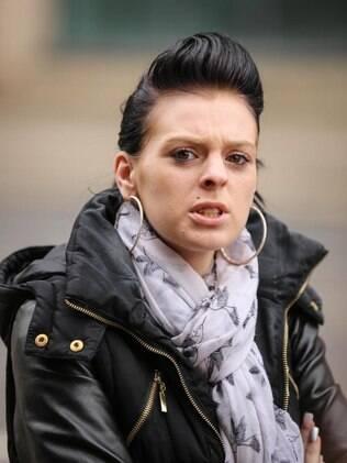 Amanda Spencer, de 25 anos, foi apontada como integrante do grupo que prostituía menores em cidade britânica
