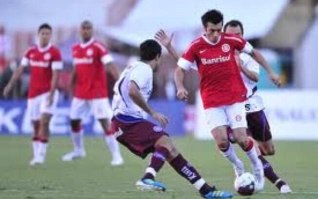O Caxias faturou a Taça Piratini, mas foi derrotado pelo Inter na final do Gaúchão de 2012