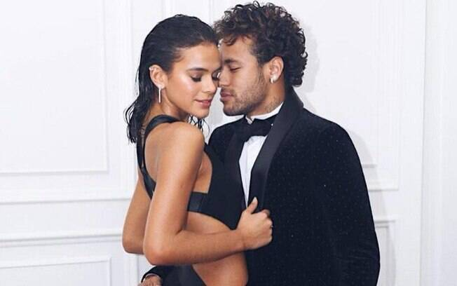 Atual momento de Neymar pode ser causado por alguma ex? Pai de Santo afirma que sim