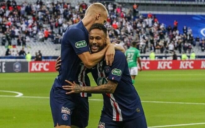 Neymar comemora o gol