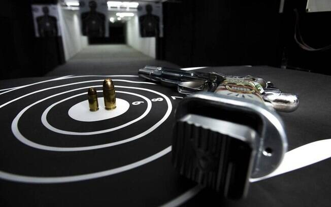 A portaria também acrescentou vária categorias profissionais à lista dos que podem comprar até 600 munições por ano