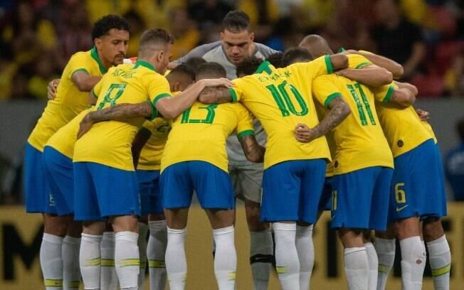 Alguns jogadores da seleção brasileira participaram de festa em Brasília após vitória