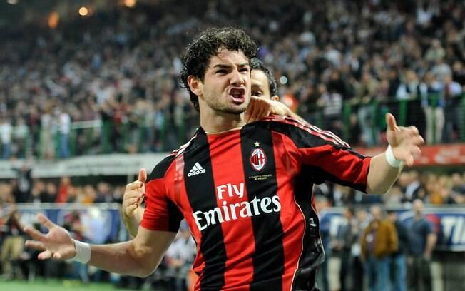 Atacante brasileiro chegou ao Milan em 2007