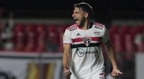 São Paulo vence o Corinthians e se afasta da zona de rebaixamento
